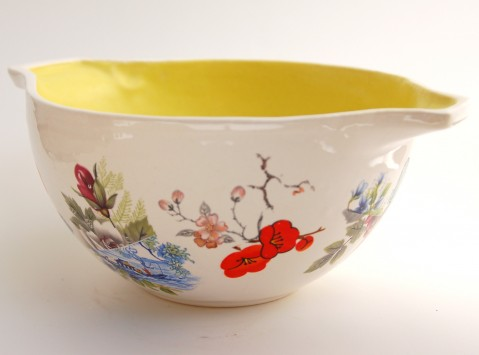 Ceramic bowl with flower decals